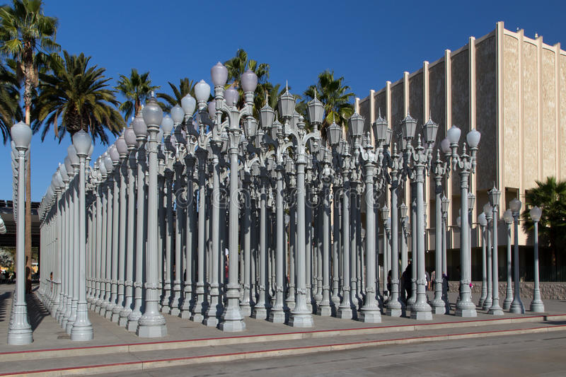 都市轻的雕塑洛杉矶郡艺术馆 库存图片