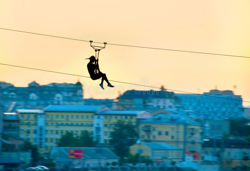 都市ziplining 库存图片