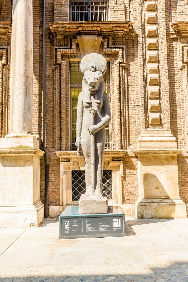 都灵,意大利, 2017年8月19日 埃及人Museu老大厦  免版税库存图片