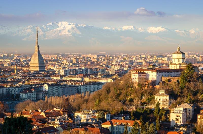 都灵(托里诺),与痣Antonelliana的风景 免版税库存图片