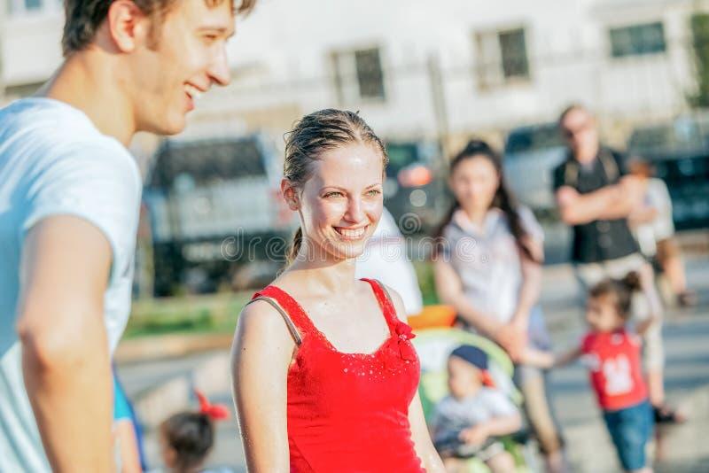 鄂木斯克,俄罗斯- 2015年6月12日:Russiuan天庆祝 库存图片