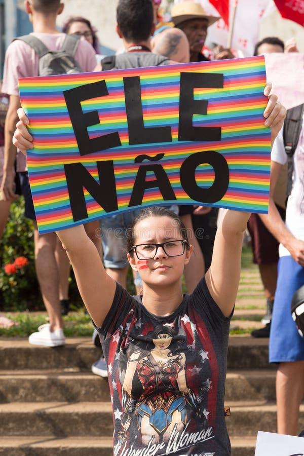 酉夫,圣保罗,巴西 2018年10月6日 反对巴西总统候选人杰尔Bolsonaro的NotHim示威者 库存图片