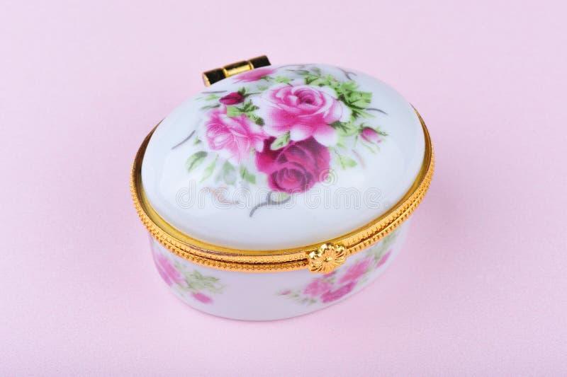 配件箱小瓷的珠宝 图库摄影