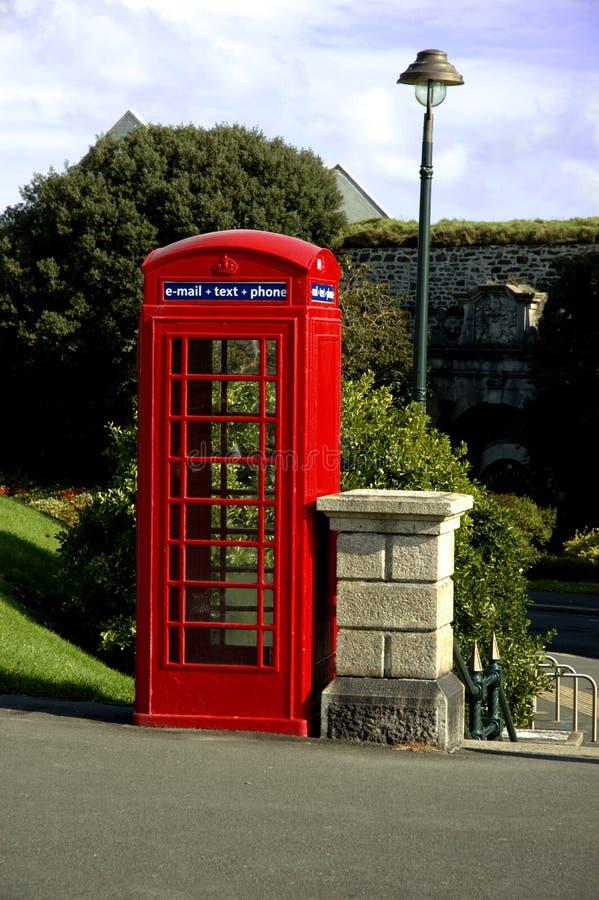 配件箱新的电话红色技术 图库摄影