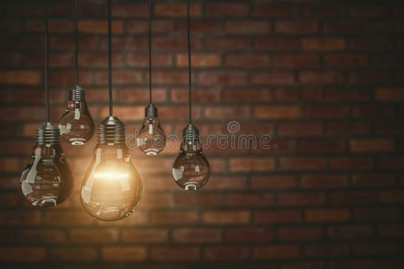 配合概念在砖墙背景,文本的, 3d拷贝空间的葡萄酒电灯泡翻译 库存例证