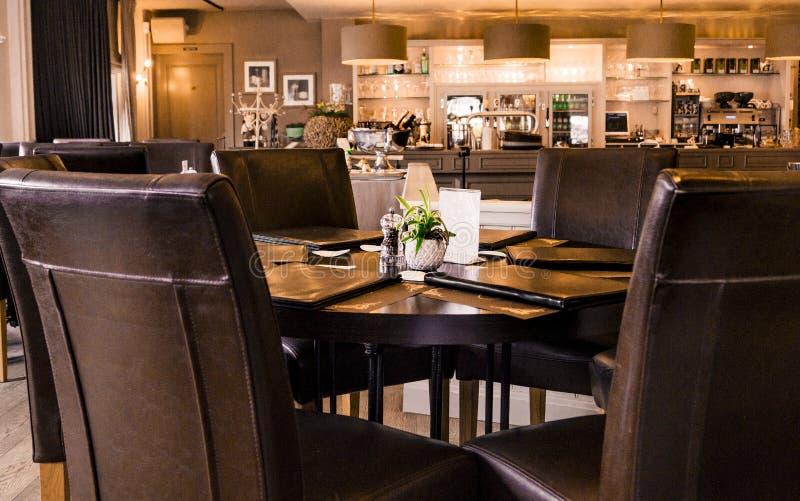 酒吧和表与菜单` s餐馆 免版税库存图片