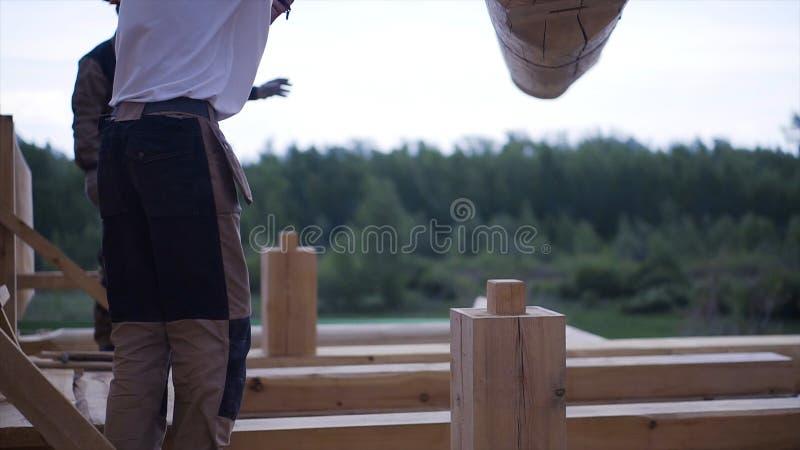 酒吧安装托梁的设施修造的房子的 ?? 木材建筑材料的元素 库存图片