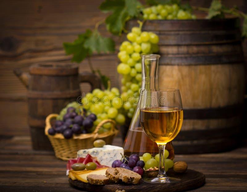酒和乳酪 库存图片