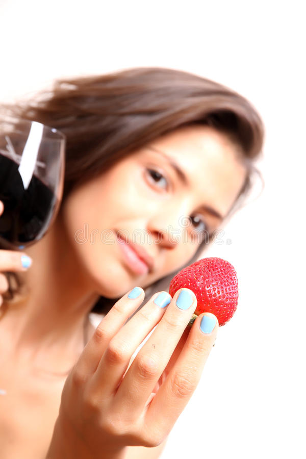 酒和草莓 免版税库存图片