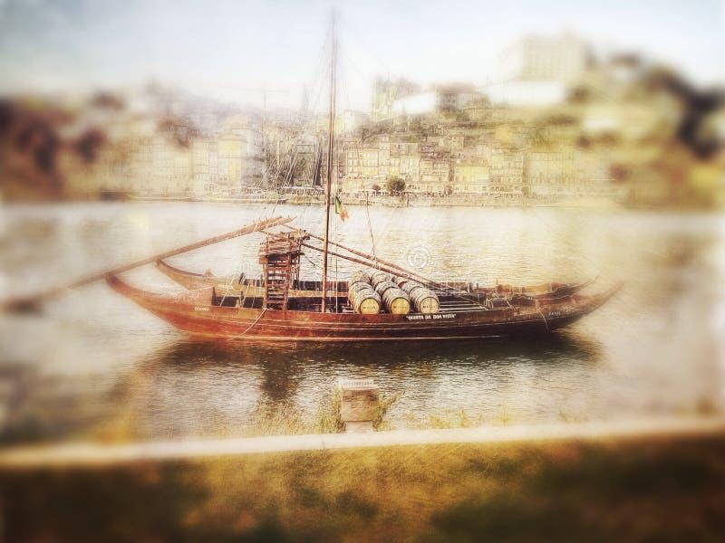 酒小船 图库摄影