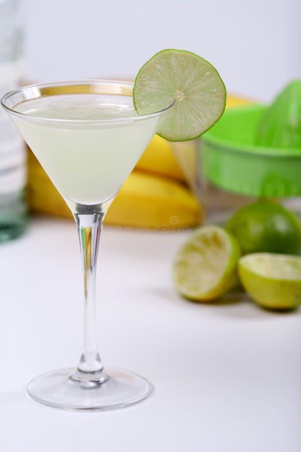 酒精鸡尾酒汁液石灰 库存图片