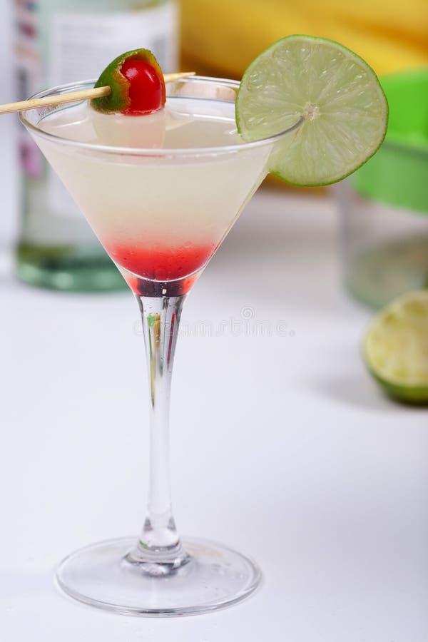 酒精鸡尾酒汁液石灰 库存照片