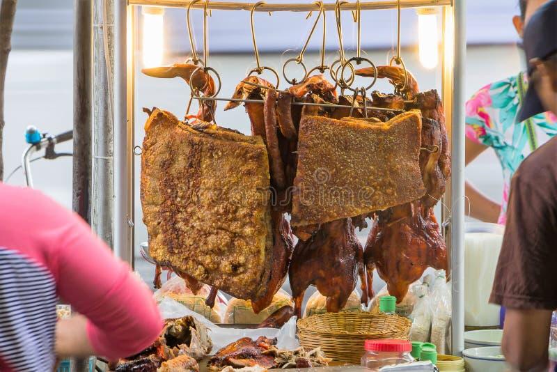 酥脆猪肉和烤鸭 库存图片