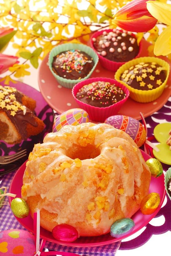 酵母复活节的环形蛋糕 库存照片