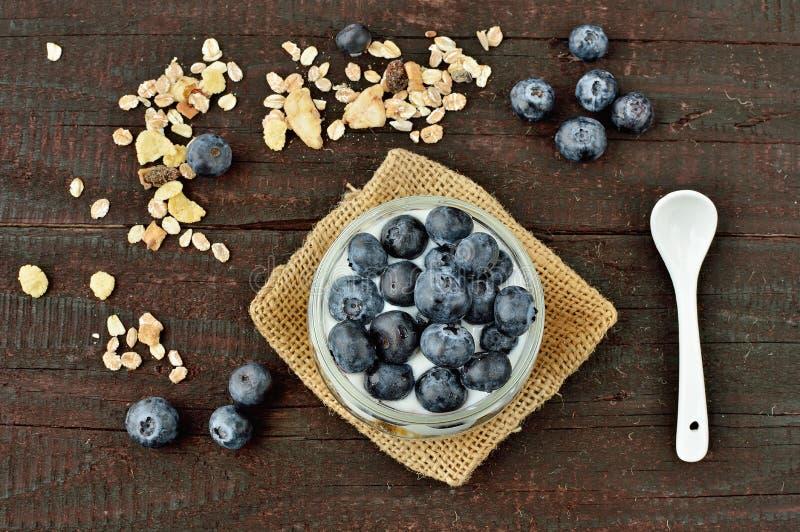 酸奶用蓝莓 免版税图库摄影