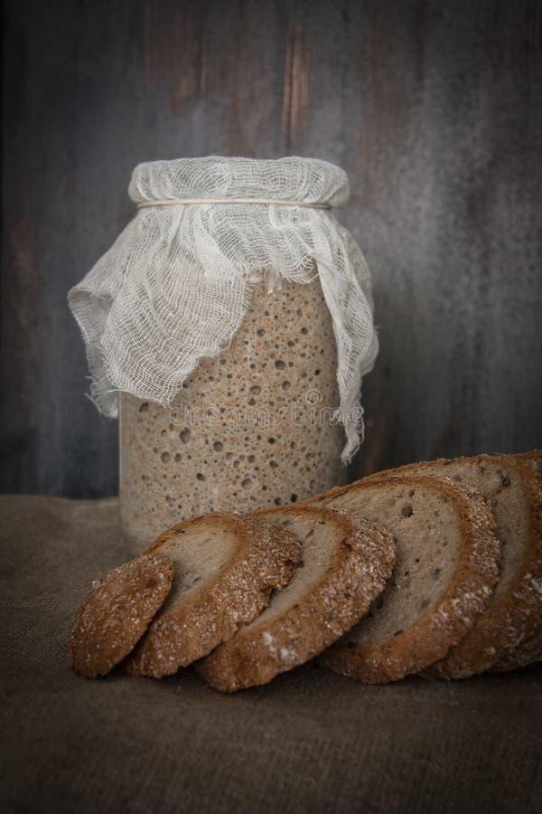 酸面团用黑麦面粉 免版税库存图片