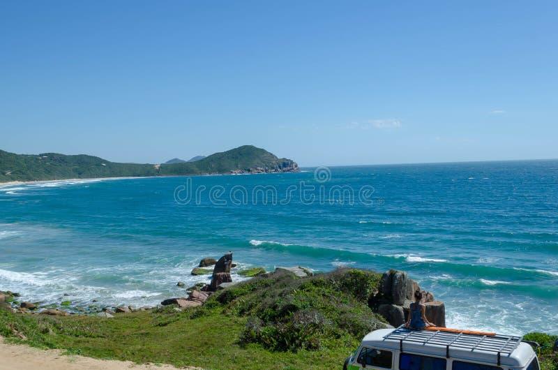 醒在海滩在巴西 免版税库存图片