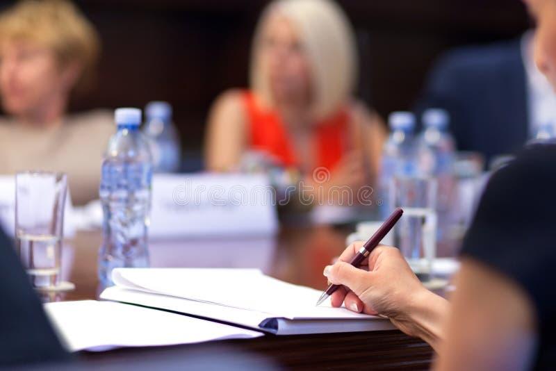采取笔记在研讨会 免版税库存图片