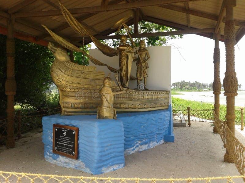 采取Bodhi船雕象对斯里兰卡 免版税图库摄影