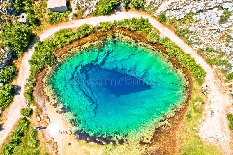 采廷娜河来源或地球鸟瞰图的眼睛 免版税库存照片