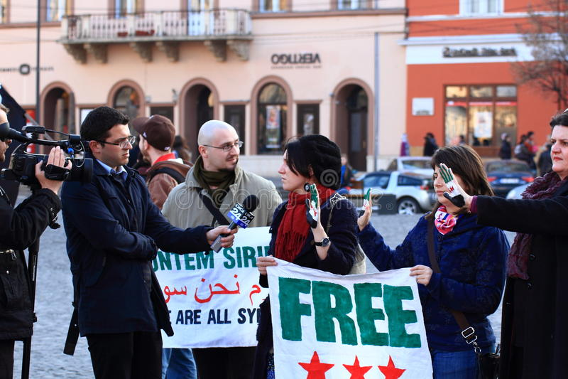 采访的新闻记者manifestant叙利亚电视 免版税图库摄影