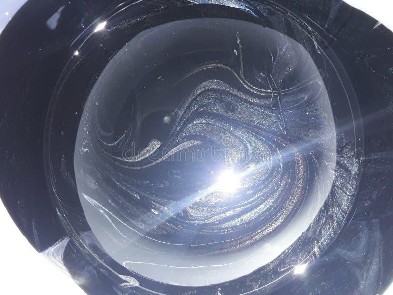 釉质的宇宙质地 — 圆罐中混合油漆和铲子 免版税库存照片