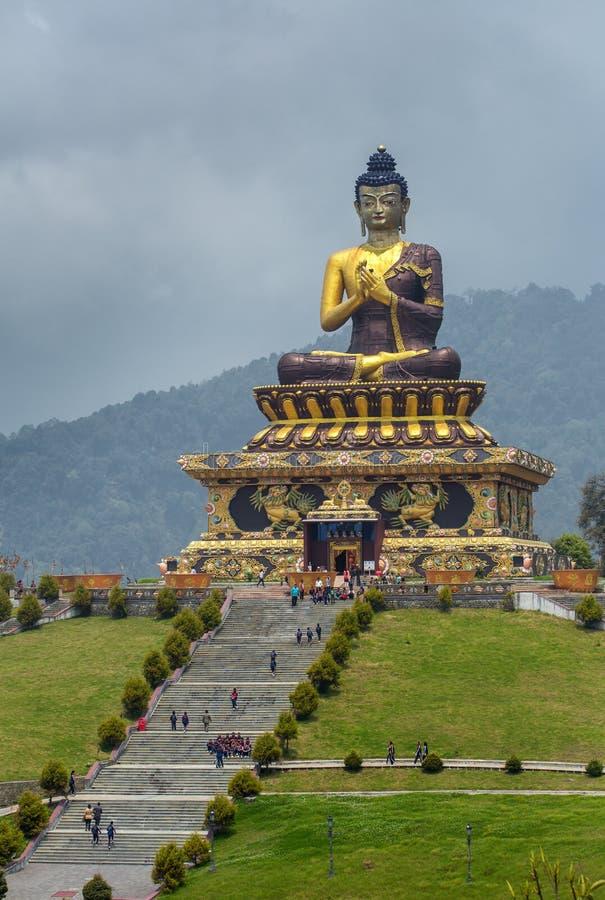 释迦牟尼雕象在Ravangla菩萨公园在南锡金 库存图片