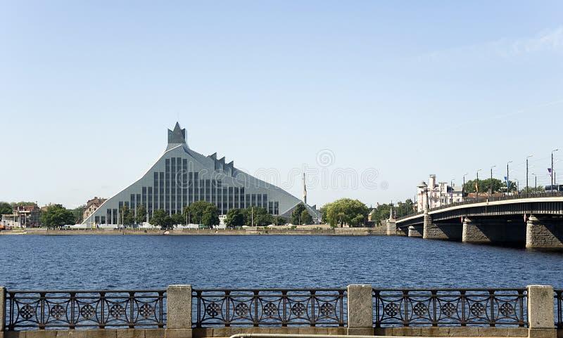 里加。国立图书馆现代大厦。 免版税库存图片