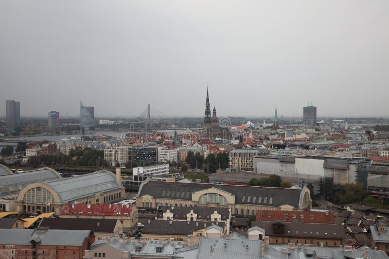 里加,全景 多雨的日 拉脱维亚 库存图片