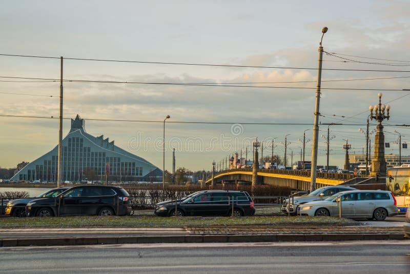 里加,拉脱维亚:国立图书馆的一个新的现代大厦是其中一个最被谈论的建筑对象在里加 库存图片