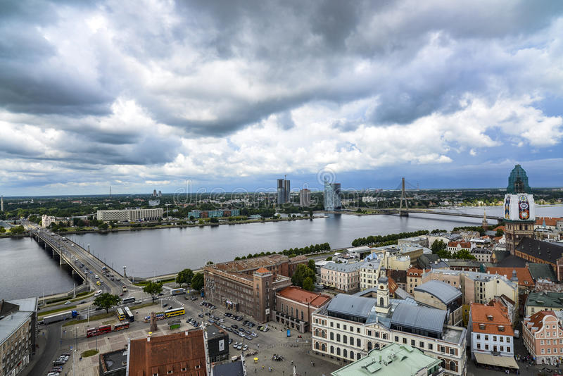 里加,拉脱维亚,欧洲,从圣皮特圣徒・彼得教会的塔的看法  免版税图库摄影