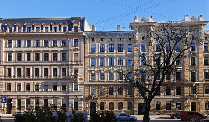 里加,街道Blaumanja 11-15,历史建筑 库存照片