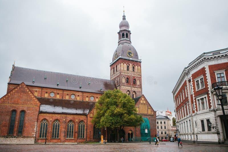里加, 2018年10月4日:圆顶大教堂 在13世纪修建的一个老宗教大厦 其中一视域  免版税库存图片