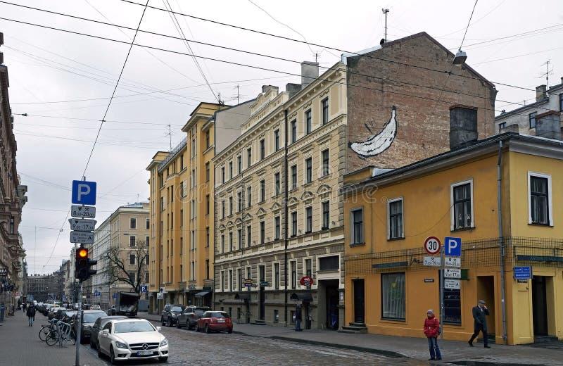里加, Blaumanja街道,有Terbatas的交叉路 库存图片