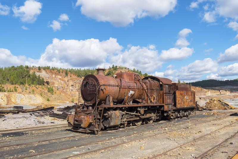 里奥廷托老矿的遗骸在韦尔瓦省西班牙 免版税库存图片