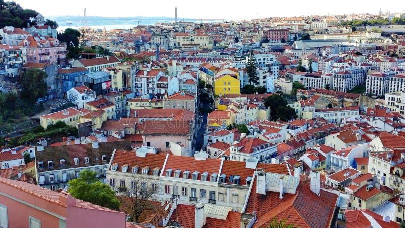 里斯本看法从Belvedere de Gracaa,葡萄牙欧洲的 免版税库存照片