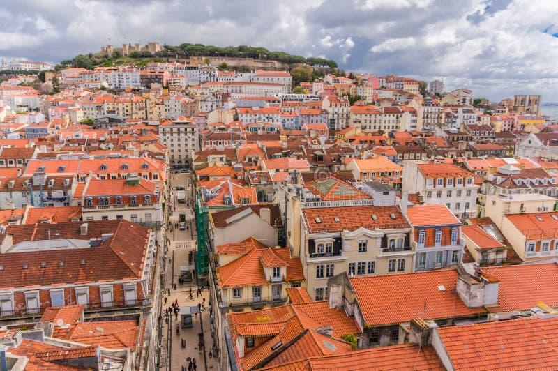 里斯本,葡萄牙在圣诞老人Justa Rua的市地平线 图库摄影