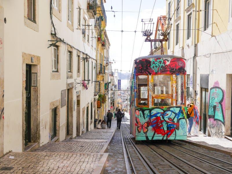 里斯本,葡萄牙:缆索铁路在里斯本,葡萄牙  库存照片