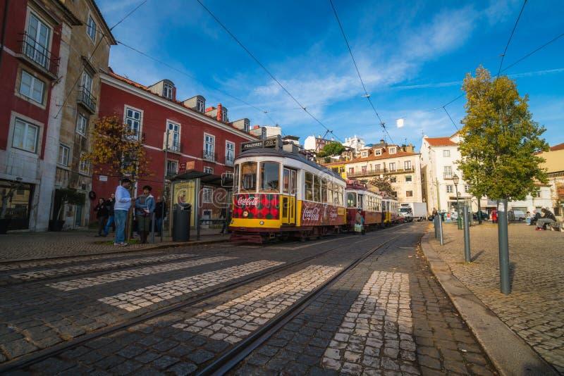 里斯本,葡萄牙- 2018年12月22日:美丽的里斯本街道  库存图片