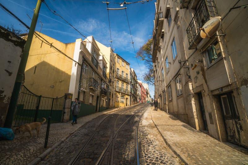 里斯本,葡萄牙- 2018年12月22日:美丽的里斯本街道  免版税库存图片
