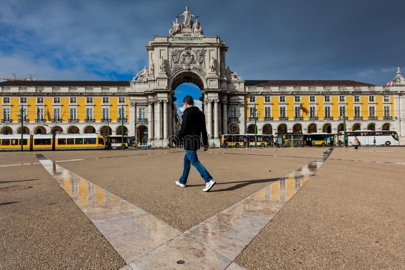 里斯本,葡萄牙- 2011年1月26日:La Praca做Comercio商务正方形,里斯本,葡萄牙 免版税库存图片