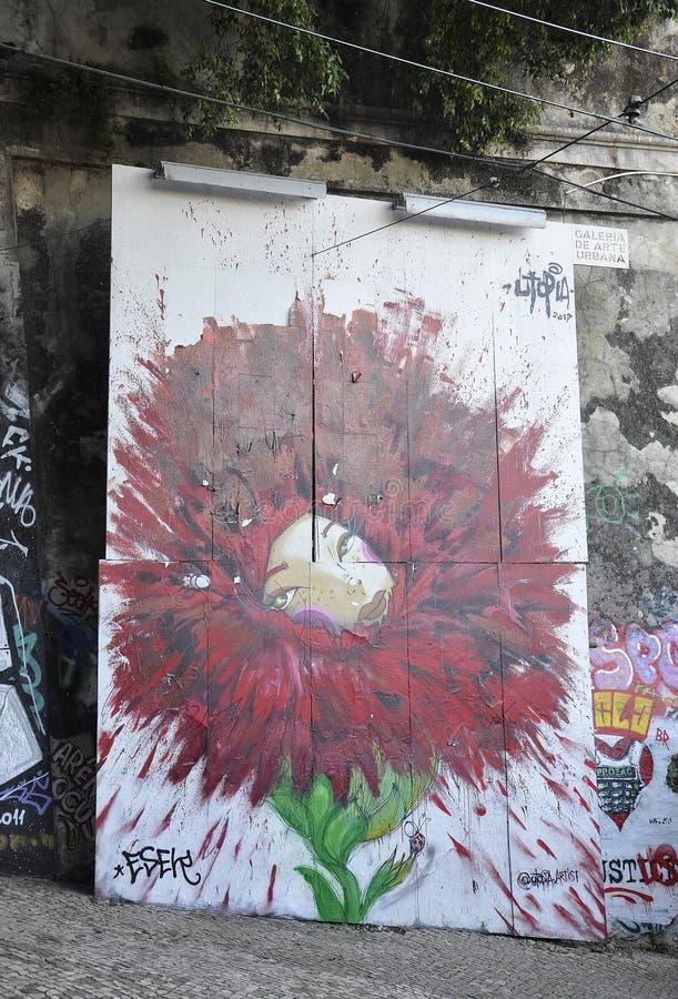 里斯本,7月14日:里斯本Baixa Chiado区老索道街艺 免版税图库摄影