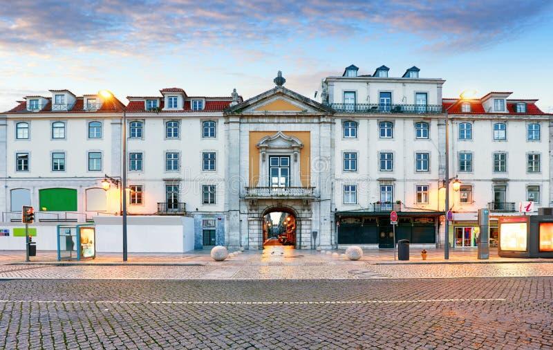里斯本, Rossio广场,葡萄牙在晚上 免版税库存照片