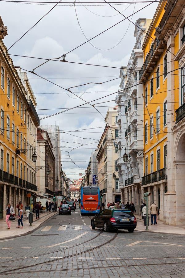 里斯本 Rua da普拉塔街在Baixa区 库存照片