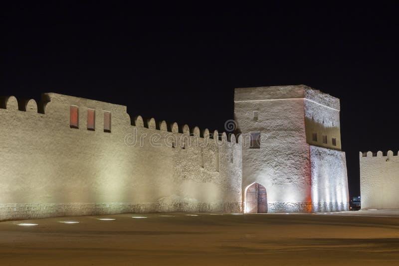 里法堡垒在晚上,巴林的王国 免版税库存照片