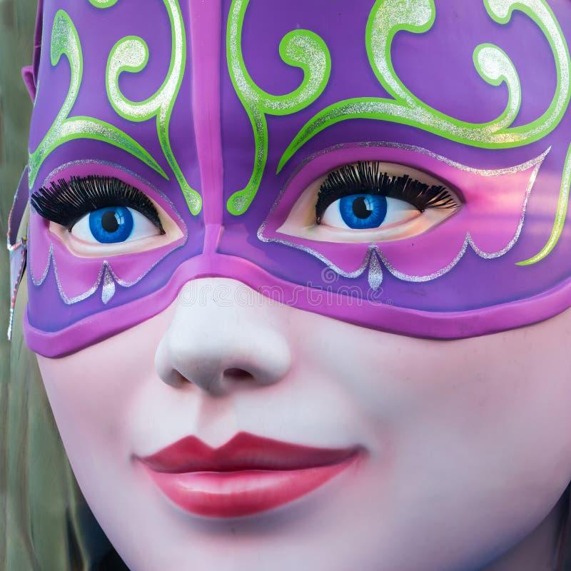 里约与面具的狂欢节雕象 免版税库存图片