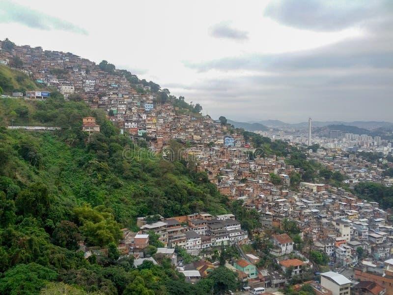 里约热内卢,巴西- 2012年9月- Favela的鸟瞰图 免版税库存照片