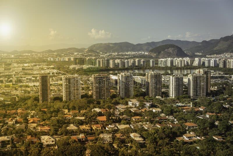 里约热内卢,巴拉岛有现代建筑学的da Tijuca 库存图片