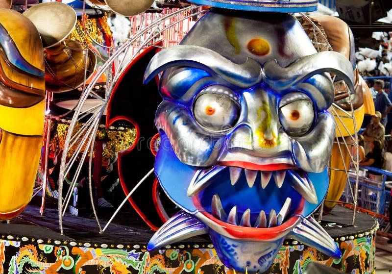 里约热内卢- 2月11 : 显示与在狂欢节的装饰 免版税库存照片