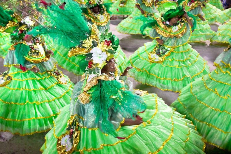 里约热内卢- 2月10 :狂欢节的舞蹈演员在Sambodromo我 免版税图库摄影